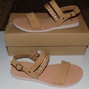 New Ugg Elin In Chestnut leather